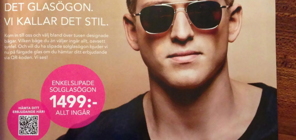 A print magazine ad with a QR Code used by Smarteyes